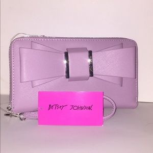 🌸 BETSEY JOHNSON MIND BOW Z/A WALLET/WRST🌸